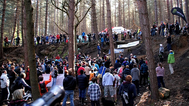 PeatysSteelCityDownhill2012PeatyCrowd